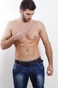 Rasierte Brust